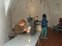 udeleženke steklarske delavnice (Medium)